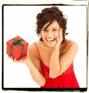 Girl-with-gift-Christmas
